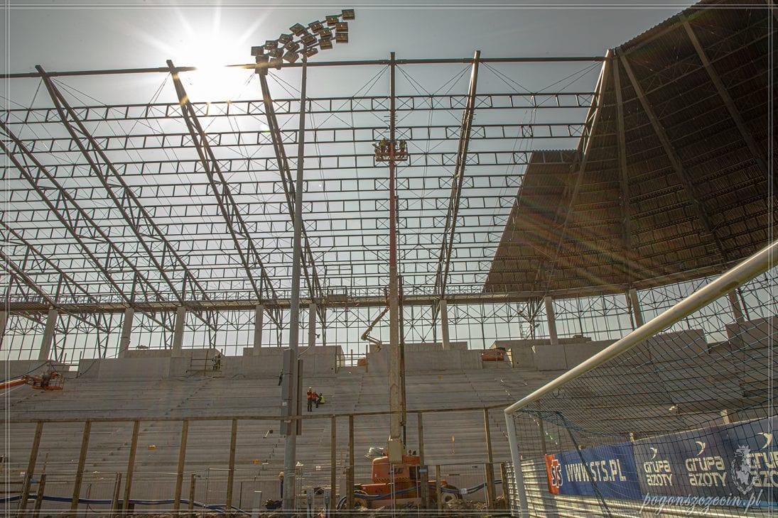 Zobacz jak zmienia się stadion