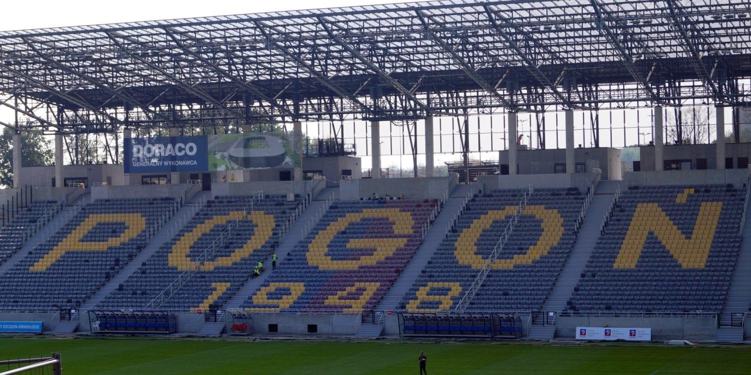 Stadion im. Floriana Krygiera : budowa z poślizgiem